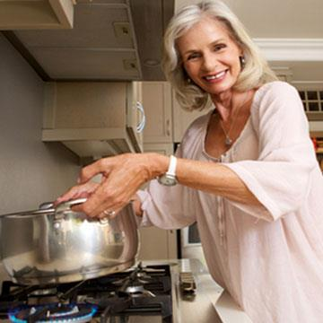 Making everyday activities easier - Lifting a heavy pot when cooking