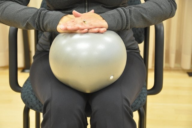 Seated Ball Push